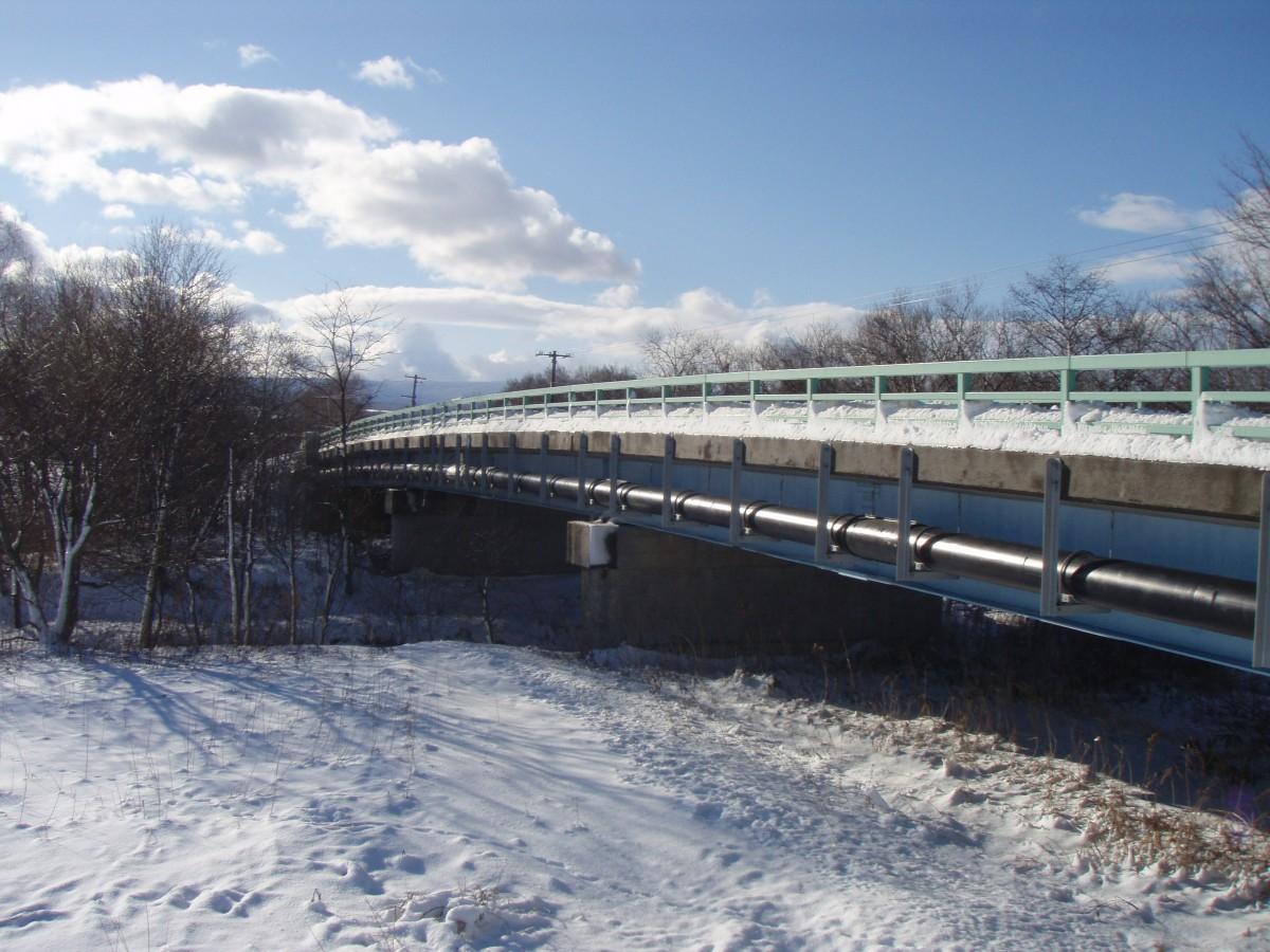 北海道上水橋梁添架配管工事2.JPG © MESCO 三井金属エンジニアリング株式会社
