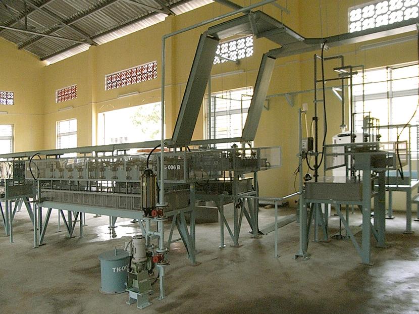 レアメタル溶媒抽出装置 © MESCO 三井金属エンジニアリング株式会社