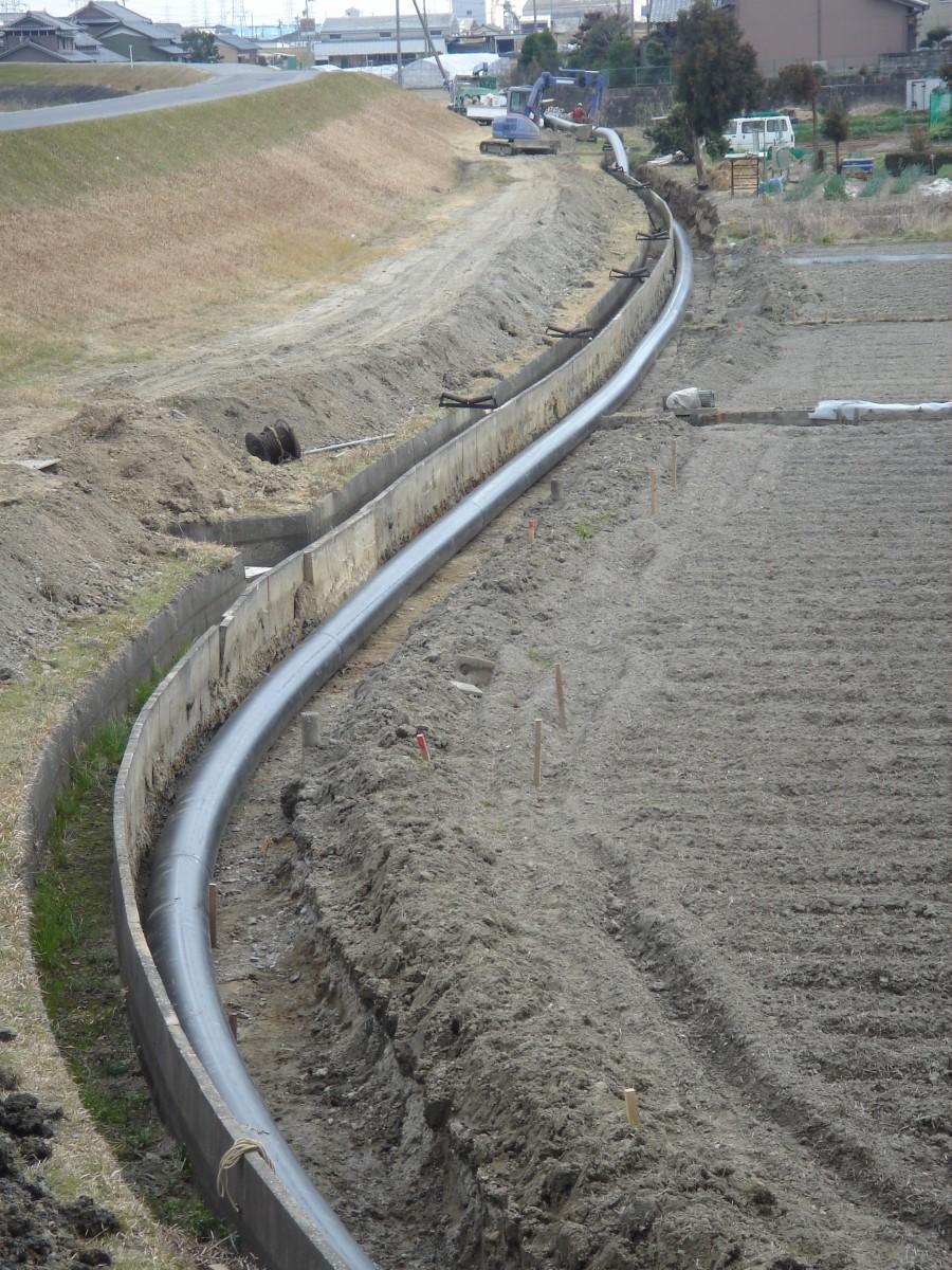 三重県下水パイプインパイプ配管工事2 © MESCO 三井金属エンジニアリング株式会社