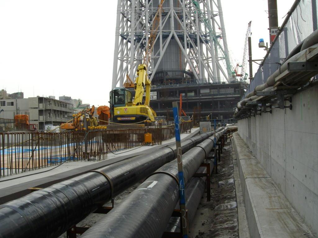 東京都冷温水埋設配管工事1 © MESCO 三井金属エンジニアリング株式会社
