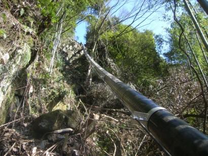 熊本県農業用水吊配管1