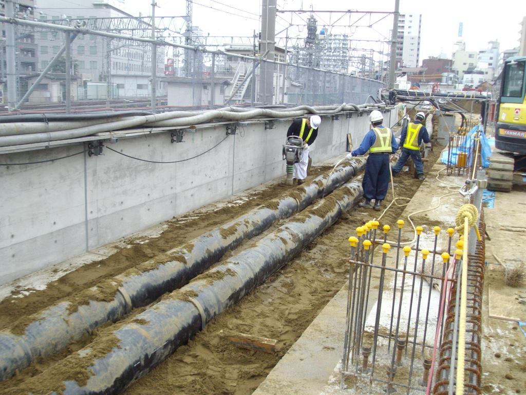 東京都冷温水埋設配管工事2 © MESCO 三井金属エンジニアリング株式会社
