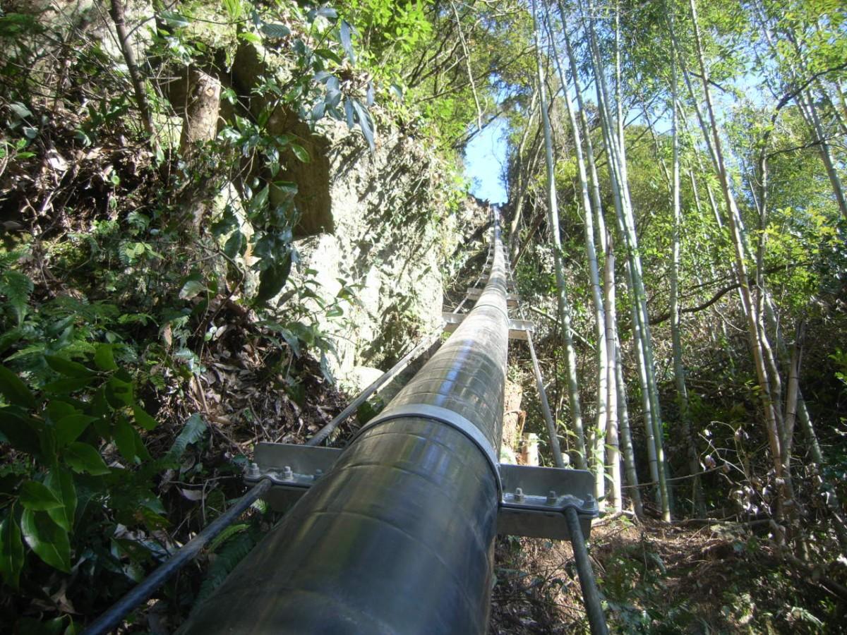熊本県農業用水吊配管2 © MESCO 三井金属エンジニアリング株式会社