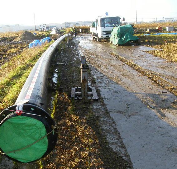 北海道農水パイプインパイプ配管工事1 © MESCO 三井金属エンジニアリング株式会社